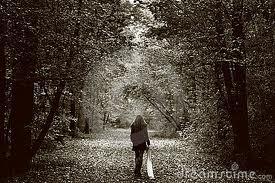 Des gens de passage dans Poèmes triste fille-seule-et-triste